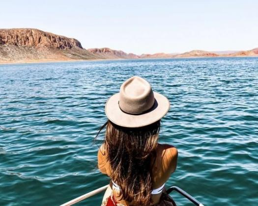 Dinghy Hire with Lake Argyle Cruises