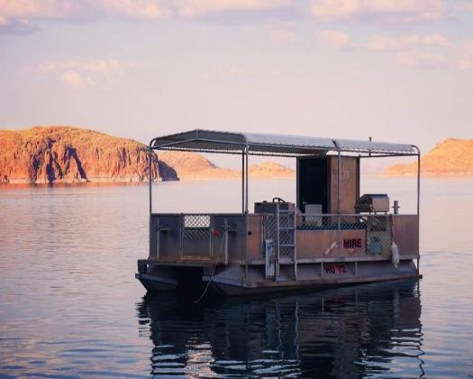 BBQ Pontoon Hire on Lake Argyle