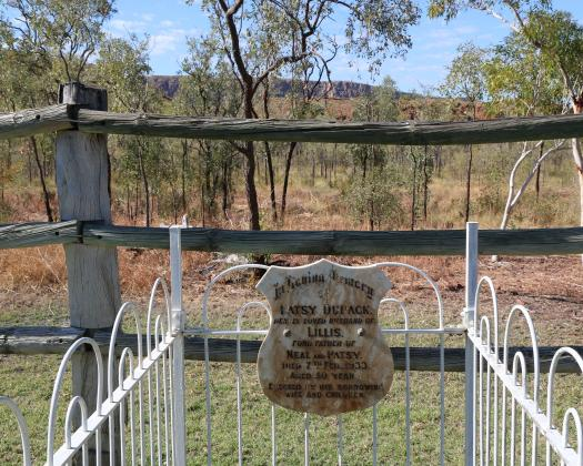 Grave at Argyle Downs Homestead Museum at Lake Argyle in the Kimberley region of Western Australia. Image: Bo & Johan